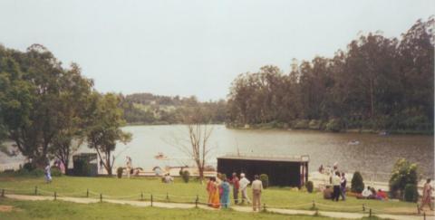 ऊटी (समुद्रतल से सात हजार फ़िट) की झील