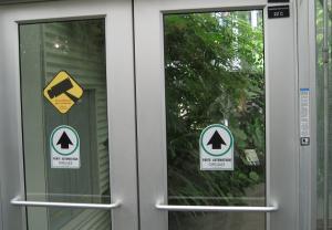 8-montreal-garden-inside-entry-sign